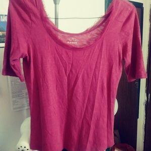 2/$15⭐ Dark pink/Fuchsia shirt w/ feather neck